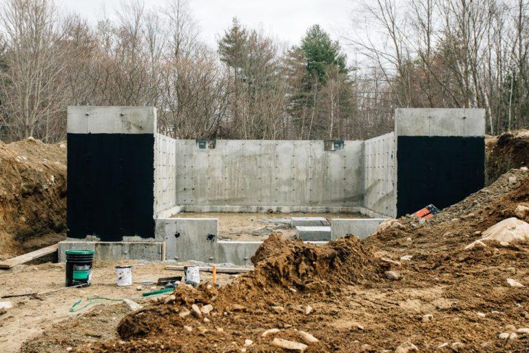 NH Farmhouse/Barn Design Construction by Don Madore.